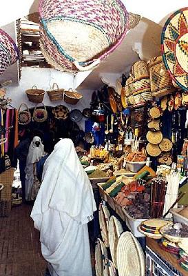 magasin-villes-marche-essaouira-maroc-