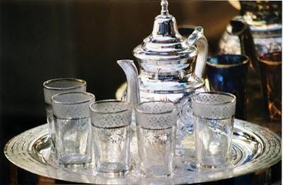 Découvrez le Maroc, et sa gastronomie dans voyage à travers le monde divers-the-souk-marrakech-maroc-