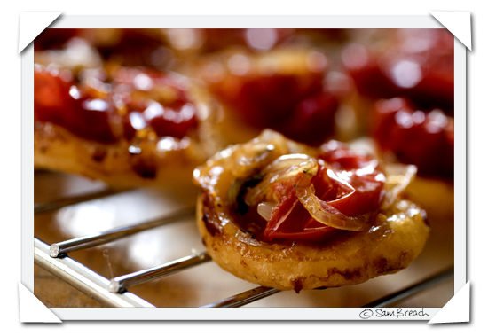 picture photograph image Donna Hay Tomato Tart Tatin Dirty Girl Early Girl tomatoes 2007 copyright of sam breach http://becksposhnosh.blogspot.com/