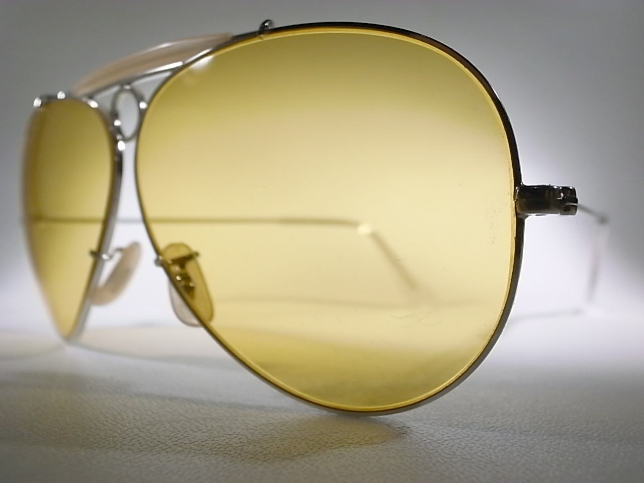 a63950126df Vintage Ray Ban Ambermatic Aviator Sunglasses « Heritage Malta