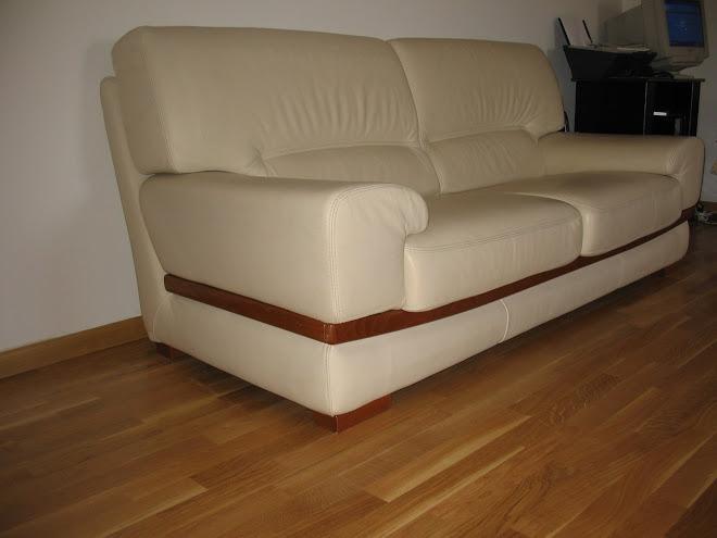 vends canape en cuir vends canape en cuir beige. Black Bedroom Furniture Sets. Home Design Ideas