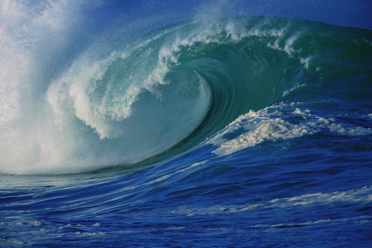 %5Bviolent%2Bocean%2Bwaves%2Bbackground Далай тэнгисийн гайхамшигт үзэгдлүүд