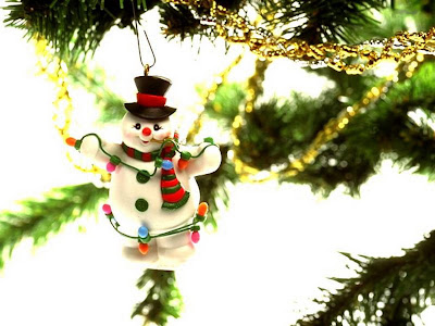 Artificial Christmas Tree Wallpaper - 1