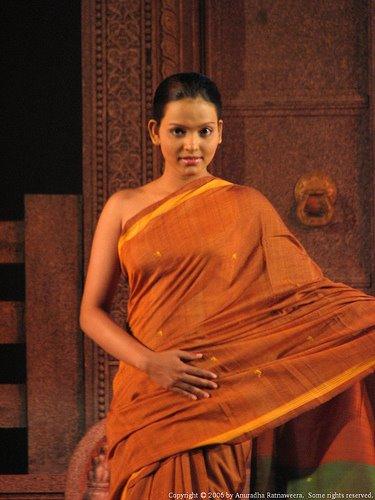 Sri Lankan Girls Pictures