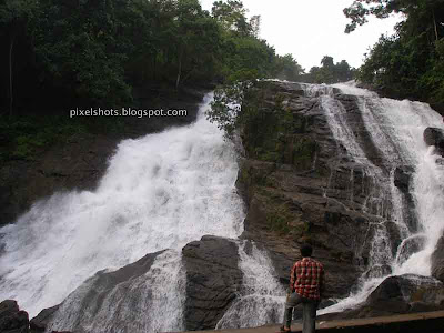 charpa-waterfalls,waterfall-in-kerala,Keralas-famous-waterfalls,south-indian-famous-waterfalls,chalakkudy-river-waterfalls-in-charpa-thrissur