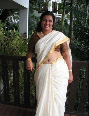 Indian Masala Aunties Navel Gallery: Hot Desi Mallu Masala ...