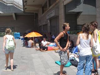 Esperando a Madonna bajo el Sol abrasador de Madrid