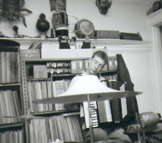[me+playing+accordion.jpg]