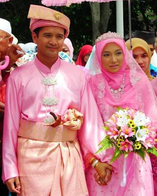 mira yg cantik masa hari perkahwinan kat banting
