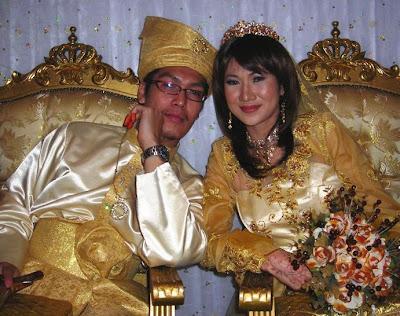 anas berposing ngan wife..