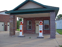 Restoring Old Gas Pumps