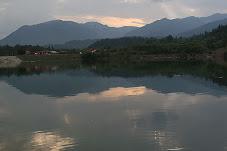 Lacul cu Pesti