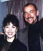 Neil Peart e Cathy Rich (filha de Buddy Rich) na ocasião do lançamento de Burnin' For Buddy em 1994