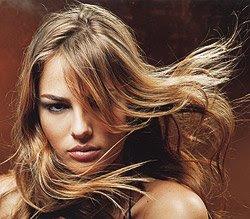 cabelo com luzes foto
