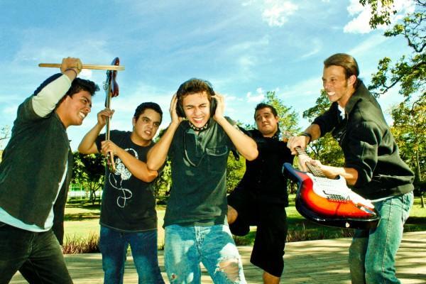 Latente Grupo de PunkRock de la ciudad de Medellín
