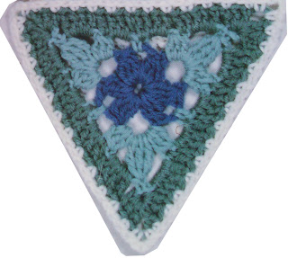 Crochet Triangle : Crochet Triangle Scarf Pattern Crochet Shawl Pattern