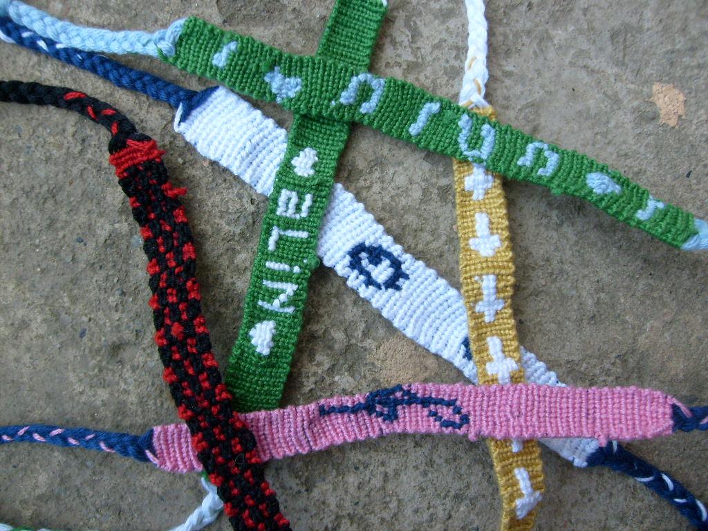 cory handmade things  bratarile prieteniei