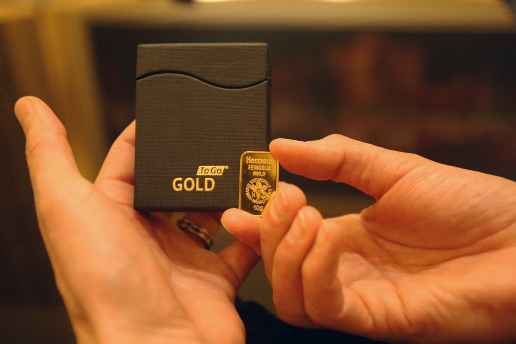 the animiiiiii gold vending machine. Black Bedroom Furniture Sets. Home Design Ideas