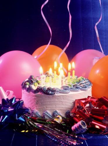 النهارده يا جماعه عيد ميلاد عضو غالى علينا كلنا عيد ميلاد