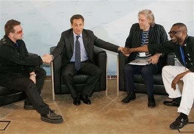 Bono en alemania G8 con el presidente de Francia
