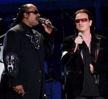 Bono y Stevie Wonder