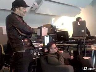 Bono y Daniel Lanois en Hanover Quay 2008