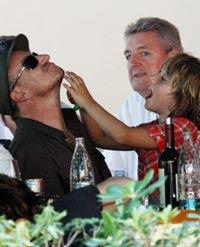Bono verano 2008 con sus hijos