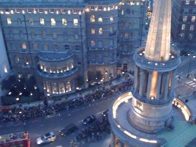 U2 toca en la azotea de la BBC en Londres 3