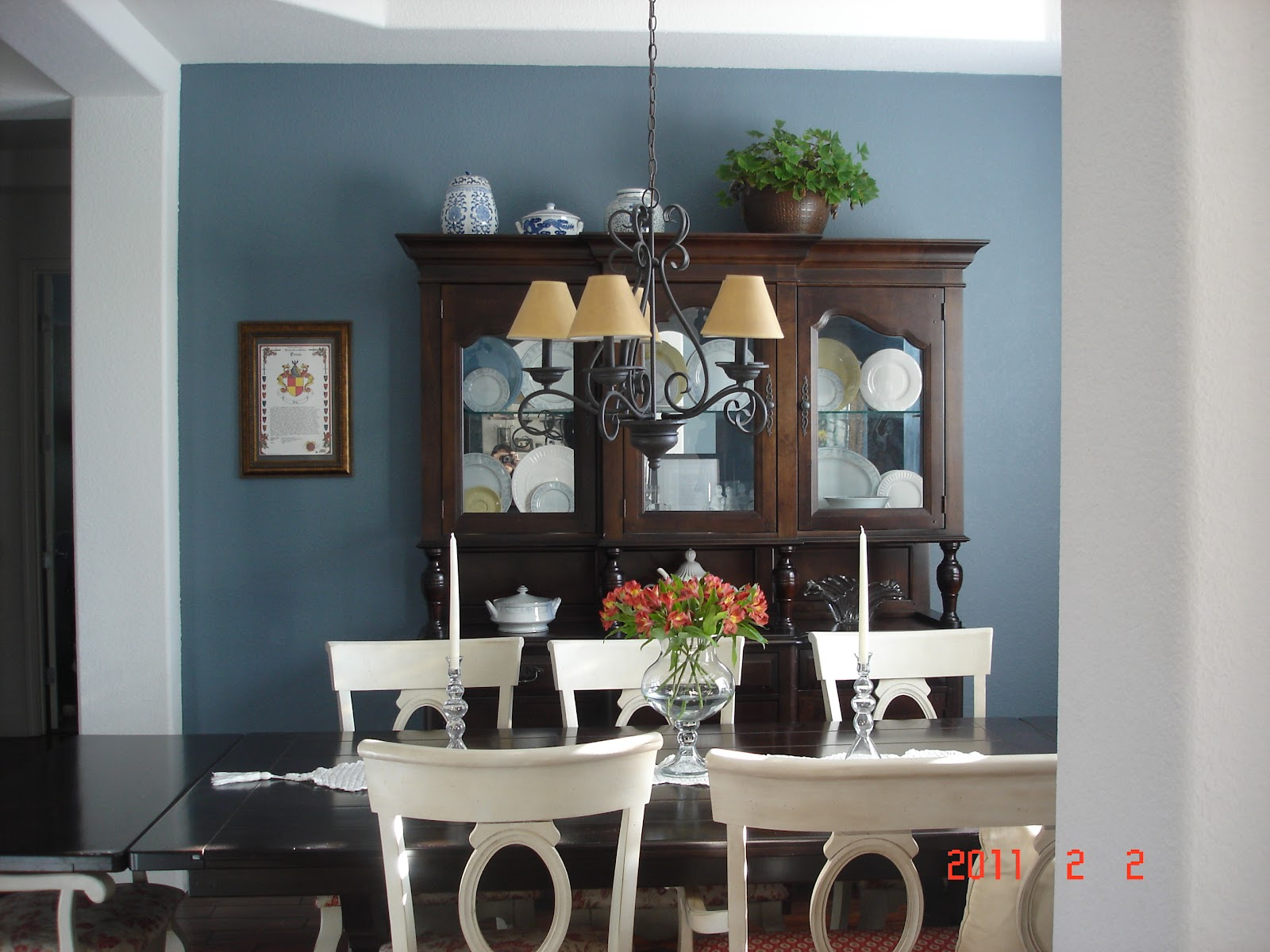 A sierra home paint color for Dining room ideas in blue