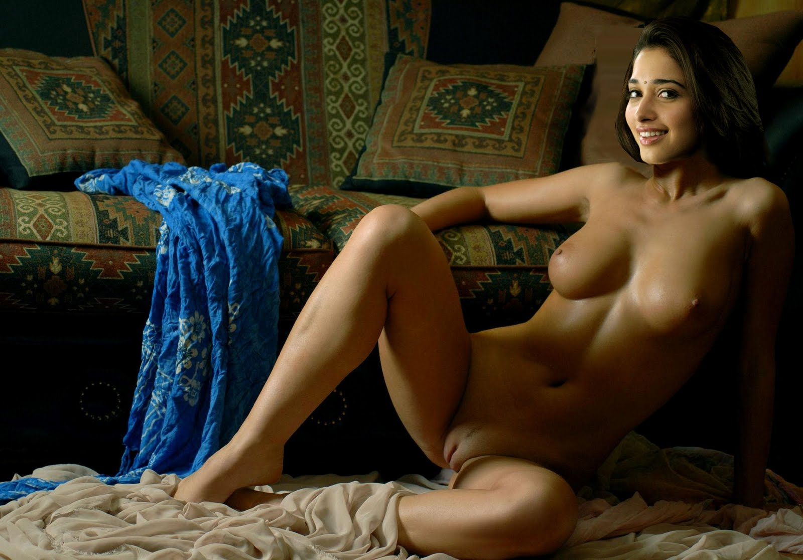 Tamil Actress Tamanna Nude Pics So Hot Images  Indian -7605