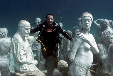 Terumbu karang dari Patung Manusia By Goceng Blog