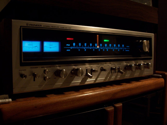 revolver 7 pioneer sx 737 receiver from 1974. Black Bedroom Furniture Sets. Home Design Ideas