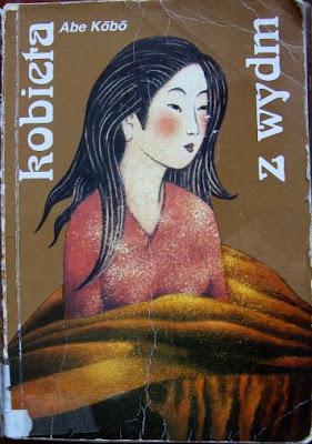 Abe Kobo. Kobieta z wydm.