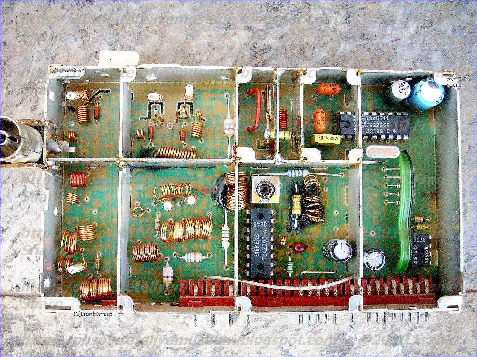 Obsolete Technology Tellye Grundig Super Color T51 340 Gch68 Single Chip Divider Circuit The Tsa5511 Is A Pll Frequency Synthesizer Designed For Tv Tuning Systems Control Data Entered Via I2c Bus Five Serial Bytes Are