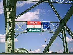 Országhatár a Mária Valéria hídon