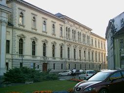 Prímási palota a térről