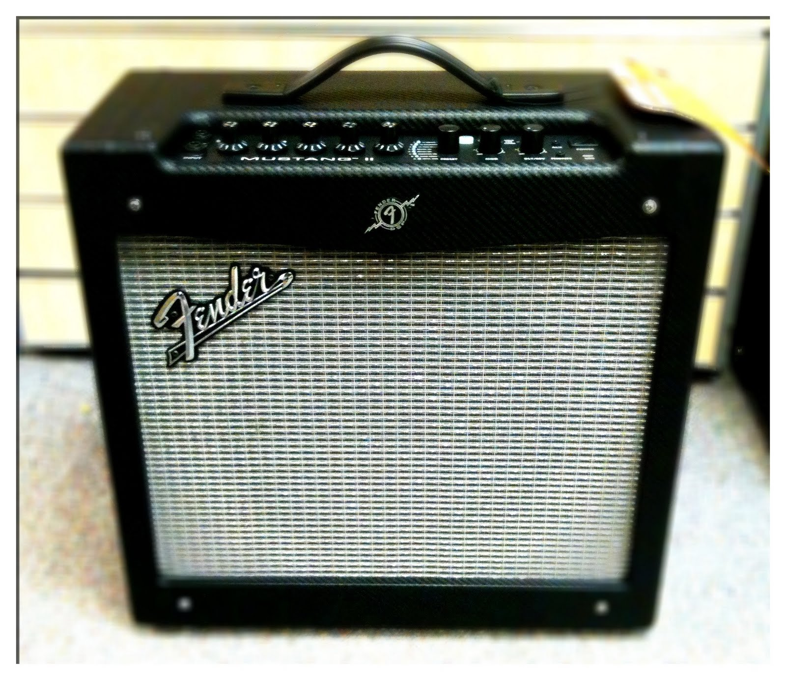 pro music international new fender mustang i and ii amplifiers in stock. Black Bedroom Furniture Sets. Home Design Ideas
