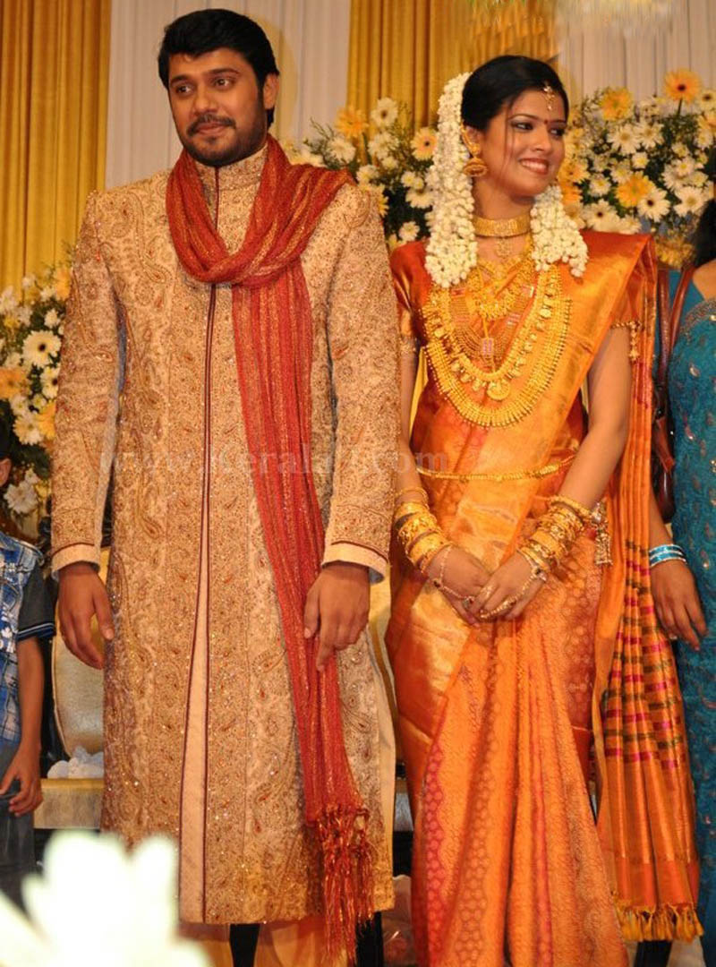 Movie Actor & Actress Cute Stills: Bala and Amrutha suresh