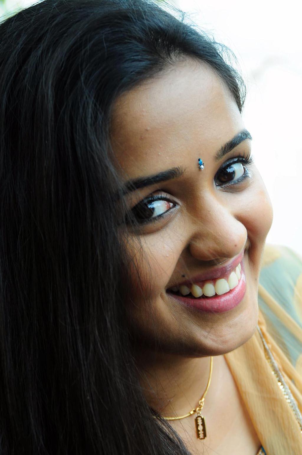 Mallu Movie Gallery Actress Ananya Latest Photos-9976