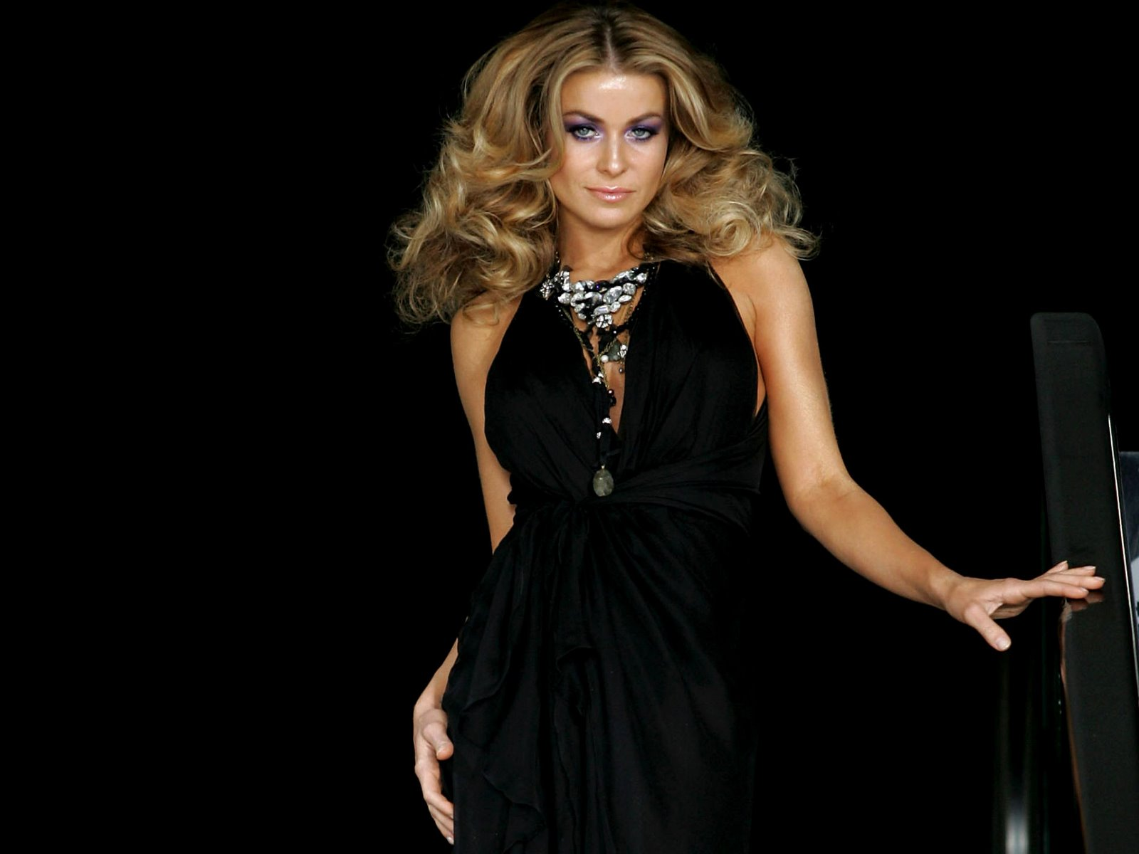 Carmen Electra Wallpapers Download Free Bikinisexy -6659