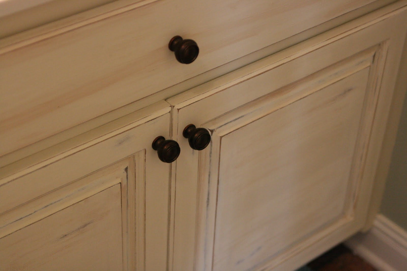 Antique White Paint Bathroom Cabinets