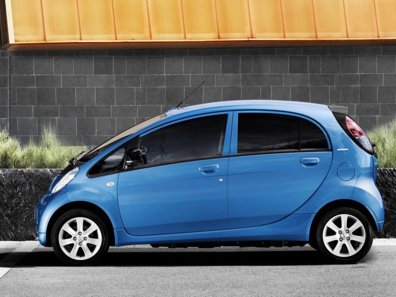 Wallpaper Mobil Sport Putih: Gambar Wallpaper Mobil Listrik Peugeot IOn 2011