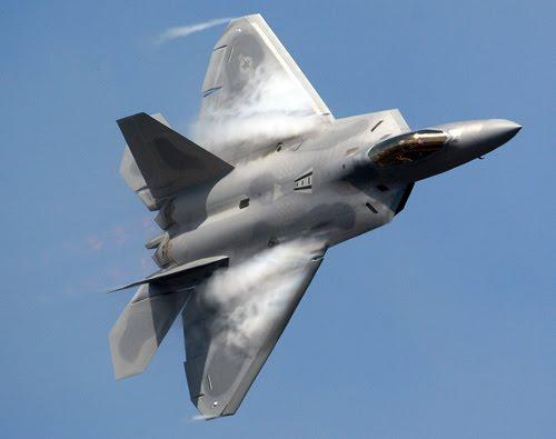 Resultado de imagen de el F-22 y el F-15C Eagle. Con el desarrollo de los combatientes-tales rusos y chinos avanzados como el PAK-FA , J-20 y J-31-