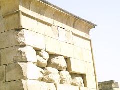 Gola y anastilosis en el Templo de Debod