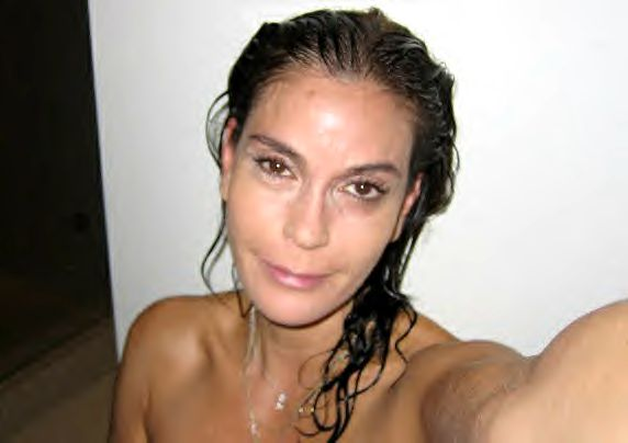Beautytiptoday com: Teri Hatcher Bare Face On Face Book To