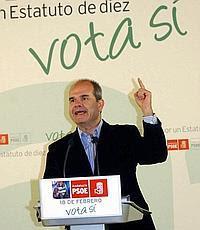 Manuel Chaves promulgó el sí para la aprobación del Estatuto Andaluz.
