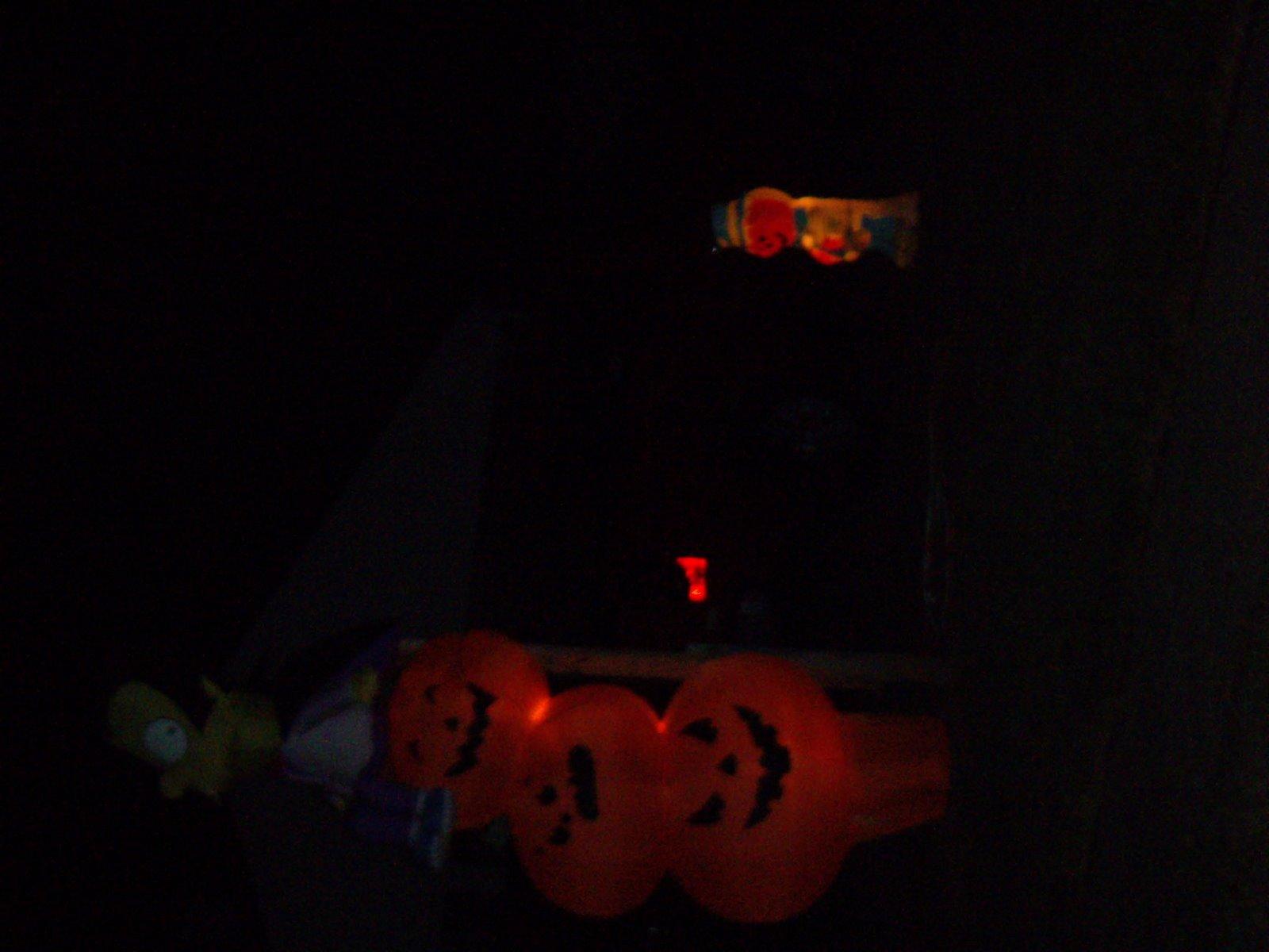 [Halloween+2007+pics-11.jpg]
