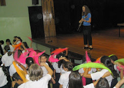 Johnette Performs In Costa  Rica