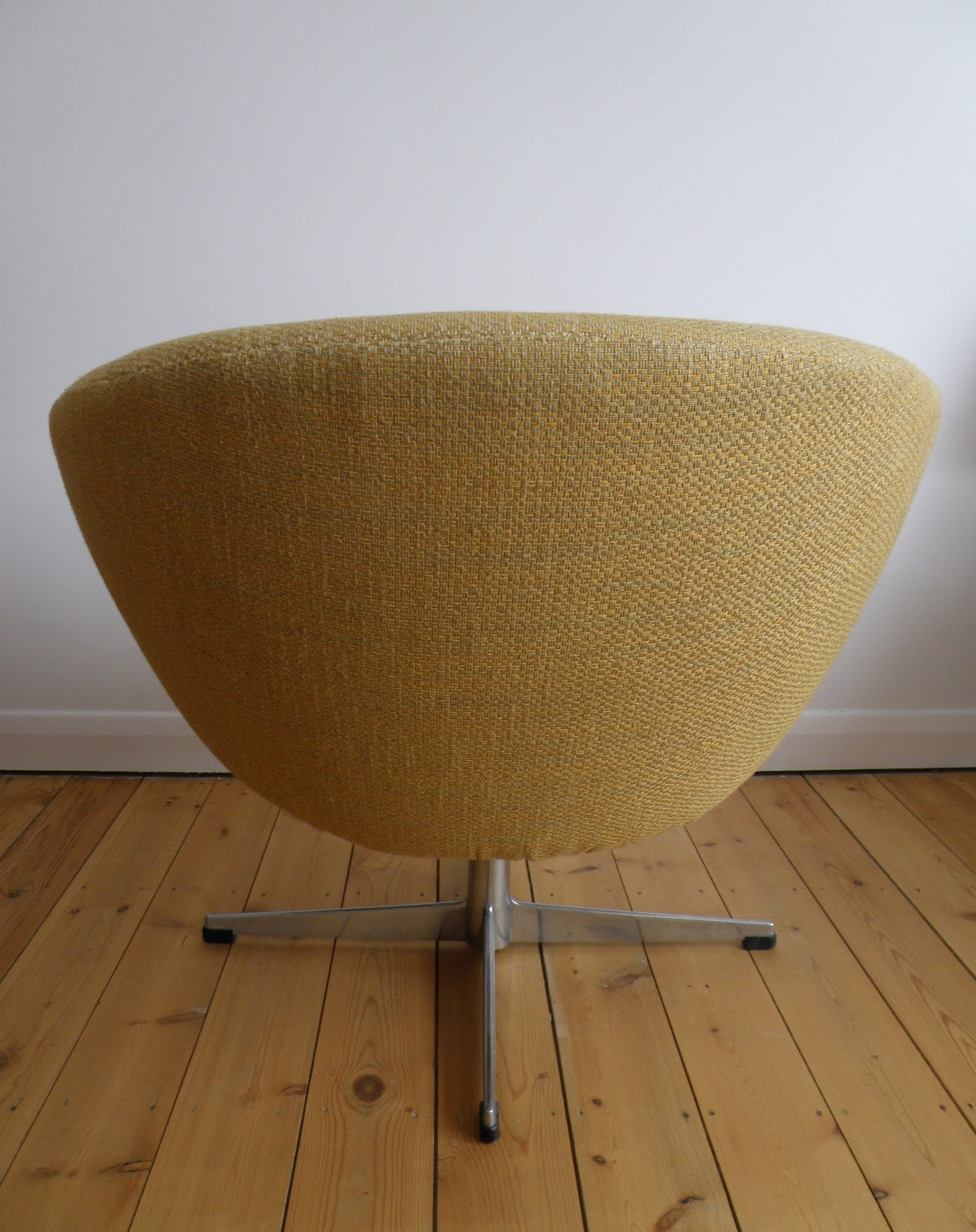 swivel pod chair party covers sashes for sale antikmodern the shop overman