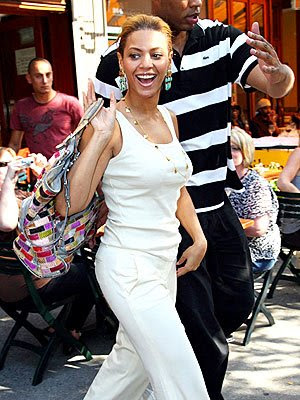 beyonce knowles with a mutil-colored bag by dolce and gabbana